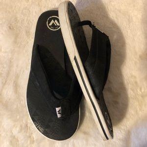 Van White Sandals Sz L 4/5